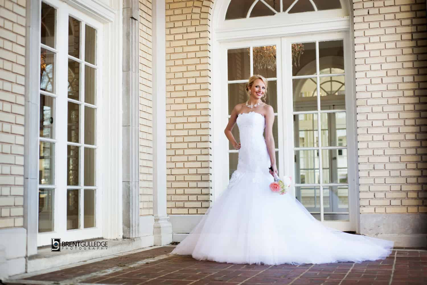 The Ballroom Adorn With Shimmering Chandeliers Grand Staircase Gorgeous Bridal Suite And Lush Formal Garden All Provide Perfect Back Drop For